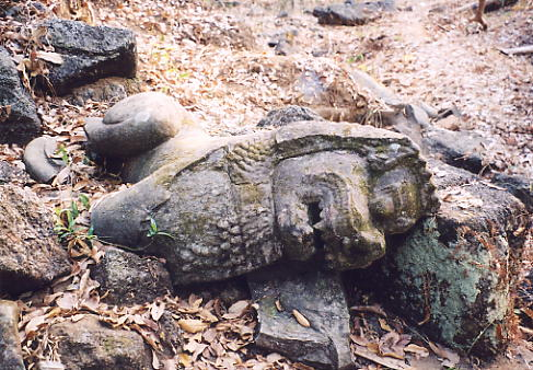 A fallen lion at Prasat Chrap.